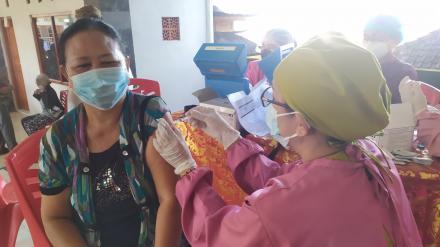 Vaksinasi Kedua kepada Masyarakat Desa Bengkel